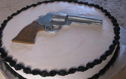 gun_cake_revolver