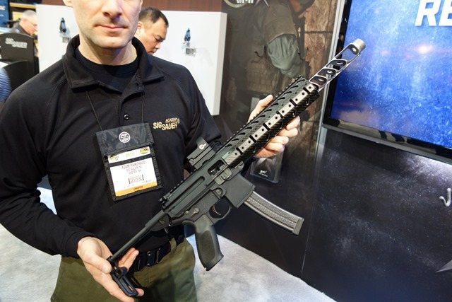 SIG_SAUER_SIG_MPX_Submachine_Gun_SBR_Carbine_Multi-Caliber_PDW_Personal_Defense_Weapon_SHOT_Show_2013_David_Crane_DefenseReview.com_DR_4
