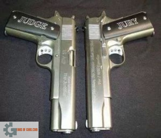 559ab7fab0c9f982c4b828bd31836c95 thumb Gun of the Day – Judge and Jury 1911
