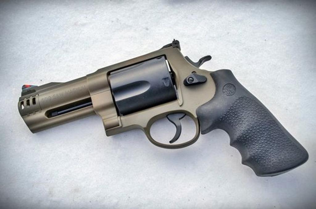 S&W 500 Magnum Revolver