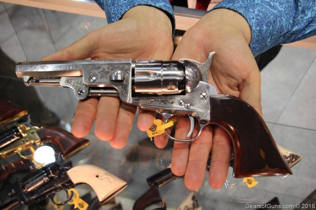 GearsofGuns F.lli Pietta Engraved Revolver 2