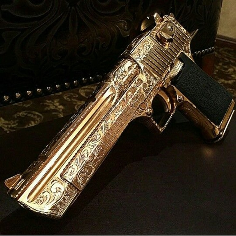 Gold Engaved Desert Eagle